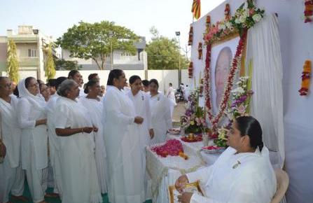 Rajkot : Sarladidiji Shradhanjli