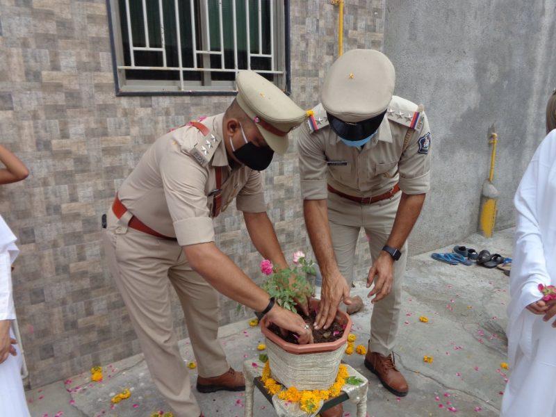 Rajkot - राजकोट मेहुलनगर सेवाकेंद्र पर कोरोना वॉरियर्स सन्मान और पर्यावरण सुरक्षा