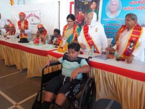 Narayan seva_Disable people 5